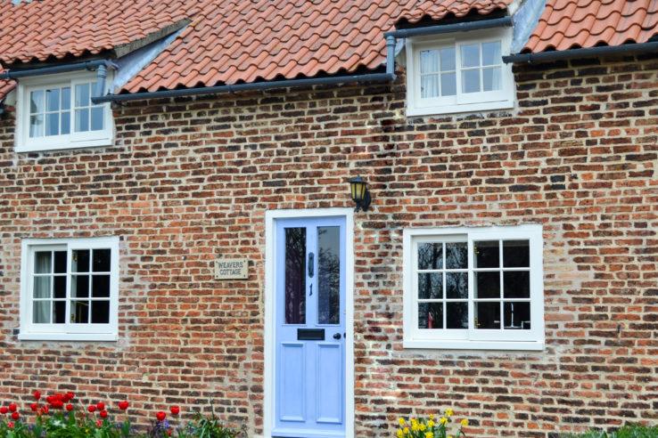 Historic-Windows-Weavers-Cottage-1-738x492