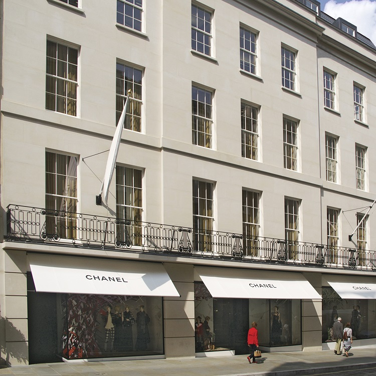Replacement-timber-sliding-sash-windows-at-Chanel-in-New-Bond-Street