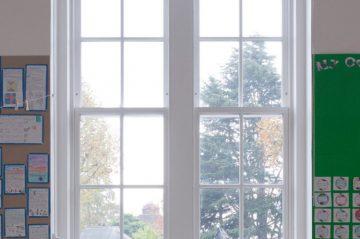 Traditional-Sliding-Sash-Window_Internal-Classroom-shot-of-Dulwich-Hamlet-Junior-School
